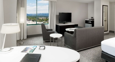 Lounge Guestroom at the Hilton Woodland Hills Hotel