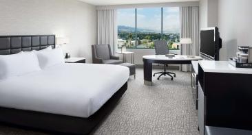 Woodland Hills Hotel
